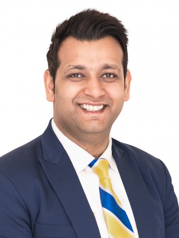 Achal Arora, Agent at YPA Estate Agents
